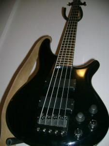 E-Bass von Ibanez