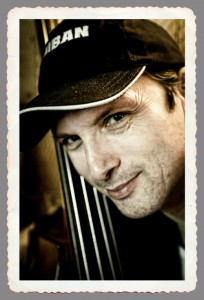 Bassist Steffen Knauss
