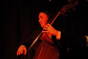 Steffen Knauss am Kontrabass